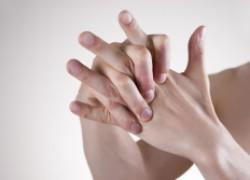 Что делать с щелкающим пальцем