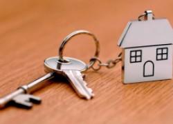 Женщина купила квартиру с жильцом, а он потом отсудил у нее большую часть жилья