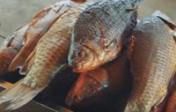 Копчение рыбы по-астрахански. Рецепт горячего копчения карася от Олега Пахолкова