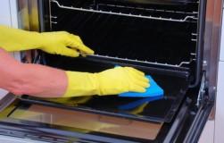 Как быстро очистить духовой шкаф