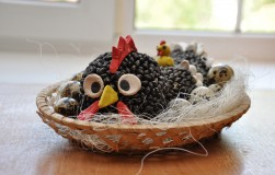 Курица несушка из семечек