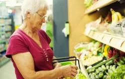 Зачем пожилым людям нужны витамины группы в и каротин?