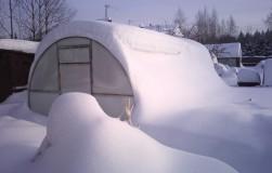 Спасаем теплицы от снега
