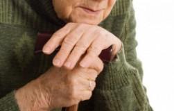 Чем может грозить покупка жилья у пожилого человека