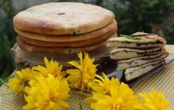 Цахараджин, осетинские пироги со свекольными листьями и сыром
