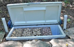 Был старый холодильник – стал погребок