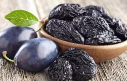 Почему чернослив кидает плоды