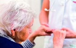 Болезнь Альцгеймера: как распознать и как помочь