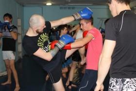 Занятия по боксу, кикбоксингу и муай-тай