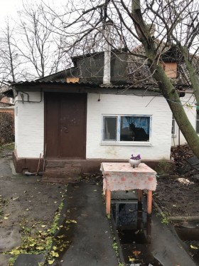 Продается дом в центре города Шахты.
