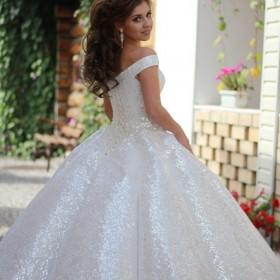 Свадебные платья на любой вкус и любая атрибутика