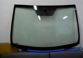 Лобовое стекло бу на Тойота Верса