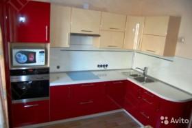 Кухня угловая с пеналом