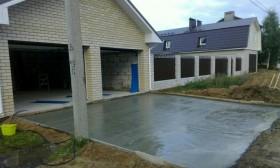 Заливка двора бетонном