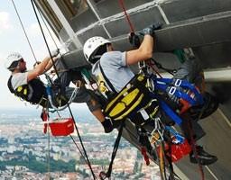 Промышленный альпинизм Краснодар Высотные работы Герметизация межпанельных швов