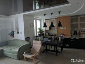 Продается трехкомнатная квартира на Ленина в Волжском