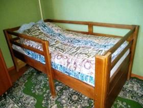 Продам кровать детскую из дуба