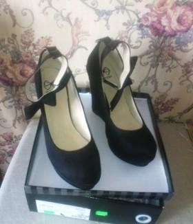 Новые велюровые туфли