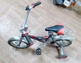 Велосипед четырёх-колёсный