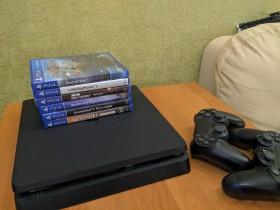 Sony PlayStation 4 + 6 игр + аккаунт
