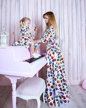 Продам платья для мамы и дочки