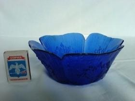 Синий салатник
