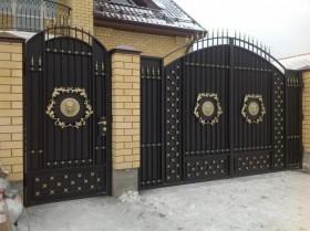 Заборы и ворота из профнастила.
