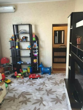 Квартира, 2 комнаты, 87 м²