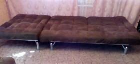 Раскладные диван и кресло.