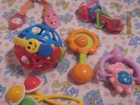Погремушки для малыша