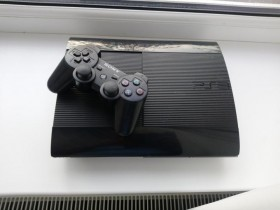 PlayStation 3 500гб + 5 игр