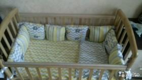 Детская кроватка и бортики