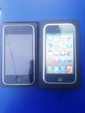 iPhone 3GS с документами