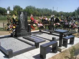 Памятники из гранита  СКИДКА 20%