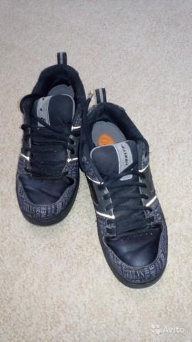 Кроссовки на колесикахпродаю