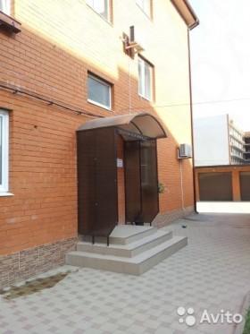 Продаю гараж, 18 м², ул Ратной Славы д 40