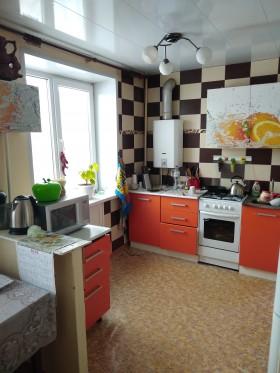 Продаю или обменяю 4х комнатную квартиру на 2х комнатную с доплатой