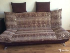Продается удобный диван в Волжском