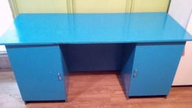 Письменный стол с двумя тумбами