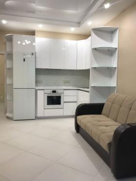 В элитном доме бизнес-класса срочно продается однокомнатная квартира