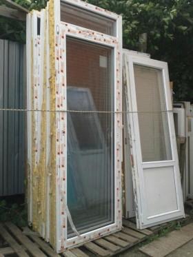 Дверь металлопластиковая со стеклом
