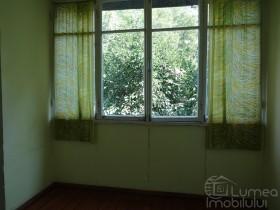 Продается 3-комнатная квартира в Кишиневе (центр Рышкановки)
