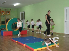 Спортивное оборудование, борцовский ковёр, гимнастический мат, боксёрский ринг, татами, защита