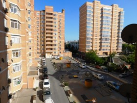 Купить  трехкомнатную  квартиру  100 кв.м. в  Новороссийске