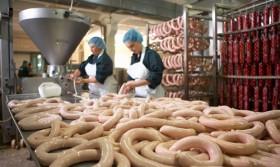 Упаковка колбасы в Польше