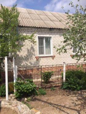 Продаю комфортабельный кирпичный дом 70 кв. м.