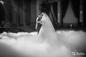 Тяжелый дым, свадебный танец с дым машиной
