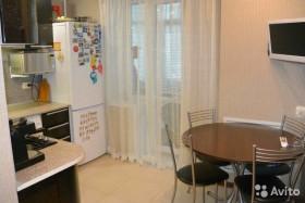 Продается двухкомнатная квартира в Волжском