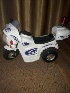 Электромотоцикл. От 2 до 4 лет.