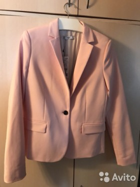 Продается розовый пиджак